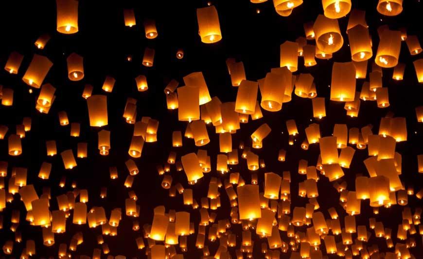 sky-lanterns-lighting-up-the-sky