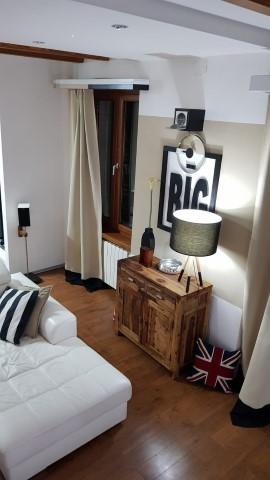 Dom i stil by Dogma: Atraktivan dvoetažni moderan stan na Belvederu