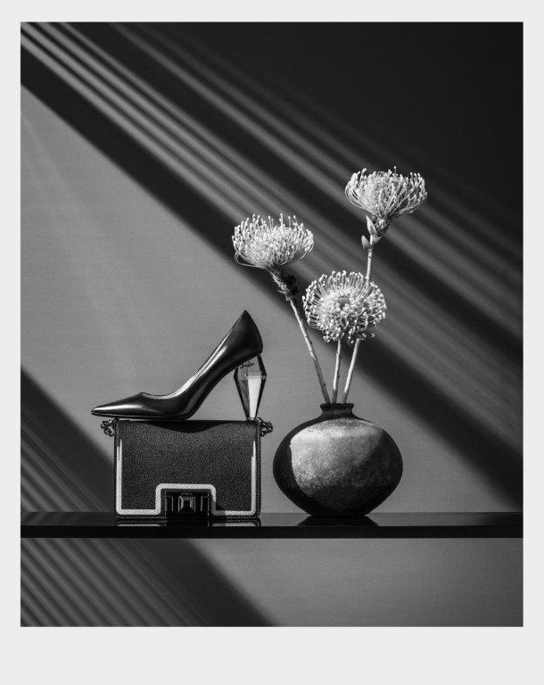 Marc Jacobs salonke s prozirnom petom i Furla torbica rezervirane su za zanimljive izlaske koji se pamte.