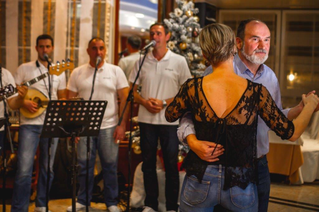 Dani bakalara u hotelu Malin: Prosinac u znaku tradicije naših nona, vrhunskih vina i žive muzike