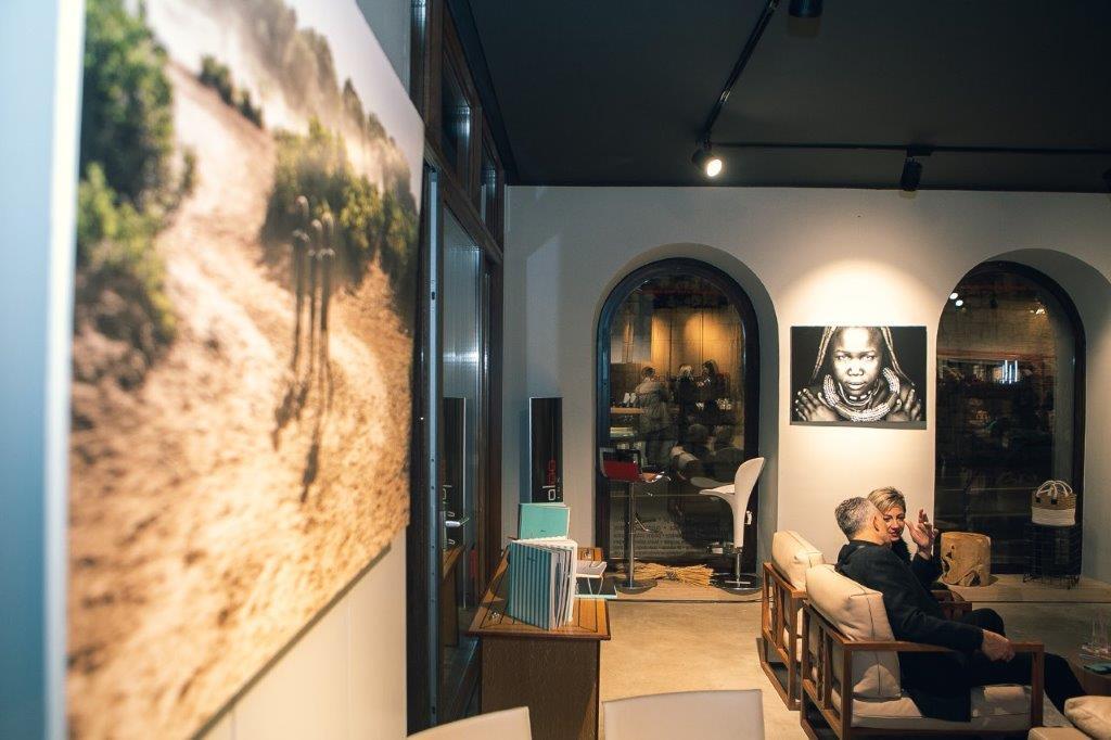 """Svečano otvorena izložba """"Watu wa Afrika"""": Iva Znaor u Babaloo design dovela Afriku u svoj njenoj ljepoti"""