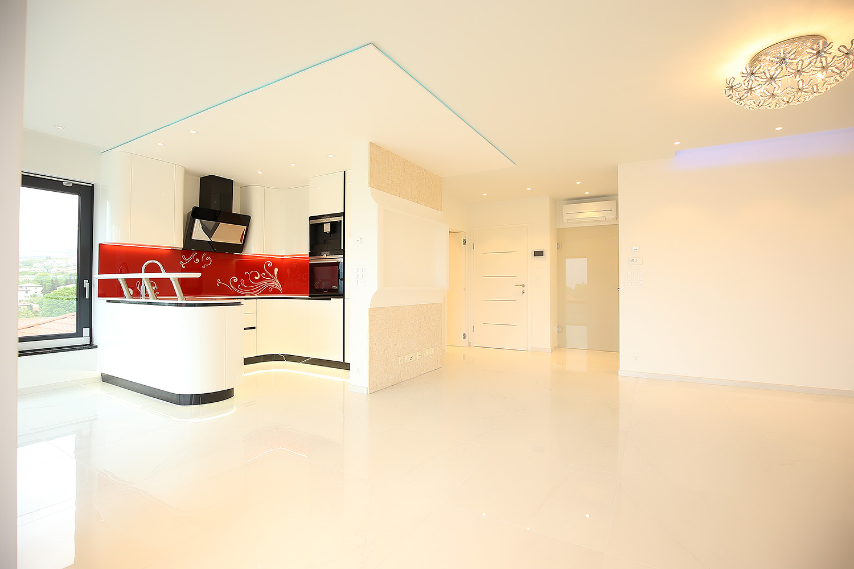 Dom i stil by Dogma: Moderan stan u kostrenskoj urbanoj vili