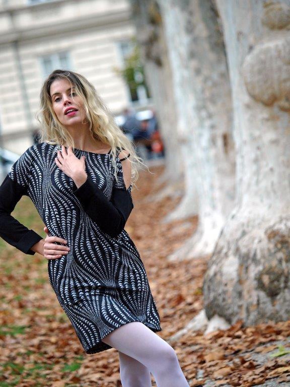 Glumice u ulozi manekenke: Poznata stilistica predstavila svoju novu kolekciju