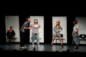 Predstava 'Brodolomke' (2)