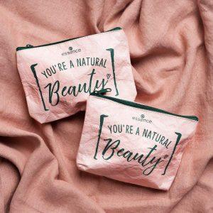 2019_beauty_bag_02