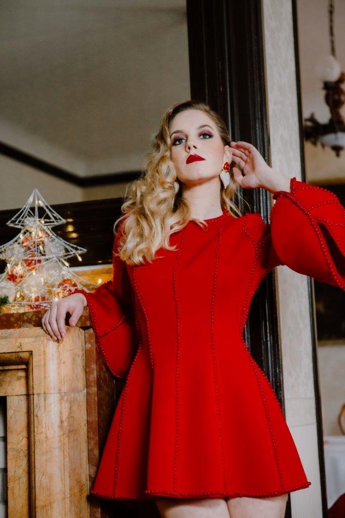 Extravagant editorials: Holiday star