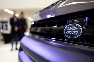 Land Rover Defender 01