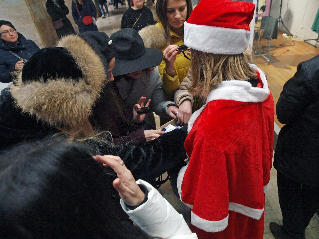 Nama i Alma na advenskoj Špici dotjerale Zagrepčanke i brojne turiste!