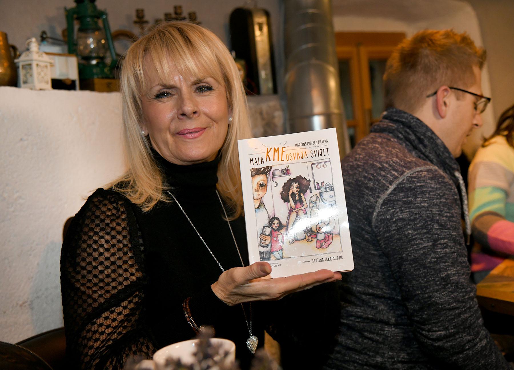 """Promocija u pidžami: U dupkom punom Castrumu predstavljena knjiga """"Mala Kme osvaja svijet"""""""