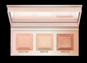 4059729255464_essence CHOOSE YOUR Glow highlighter palette_Image_Front View Full Open_png