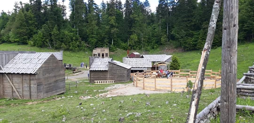 Ideja za nedjeljni izlet: Roswell selo u Fužinama