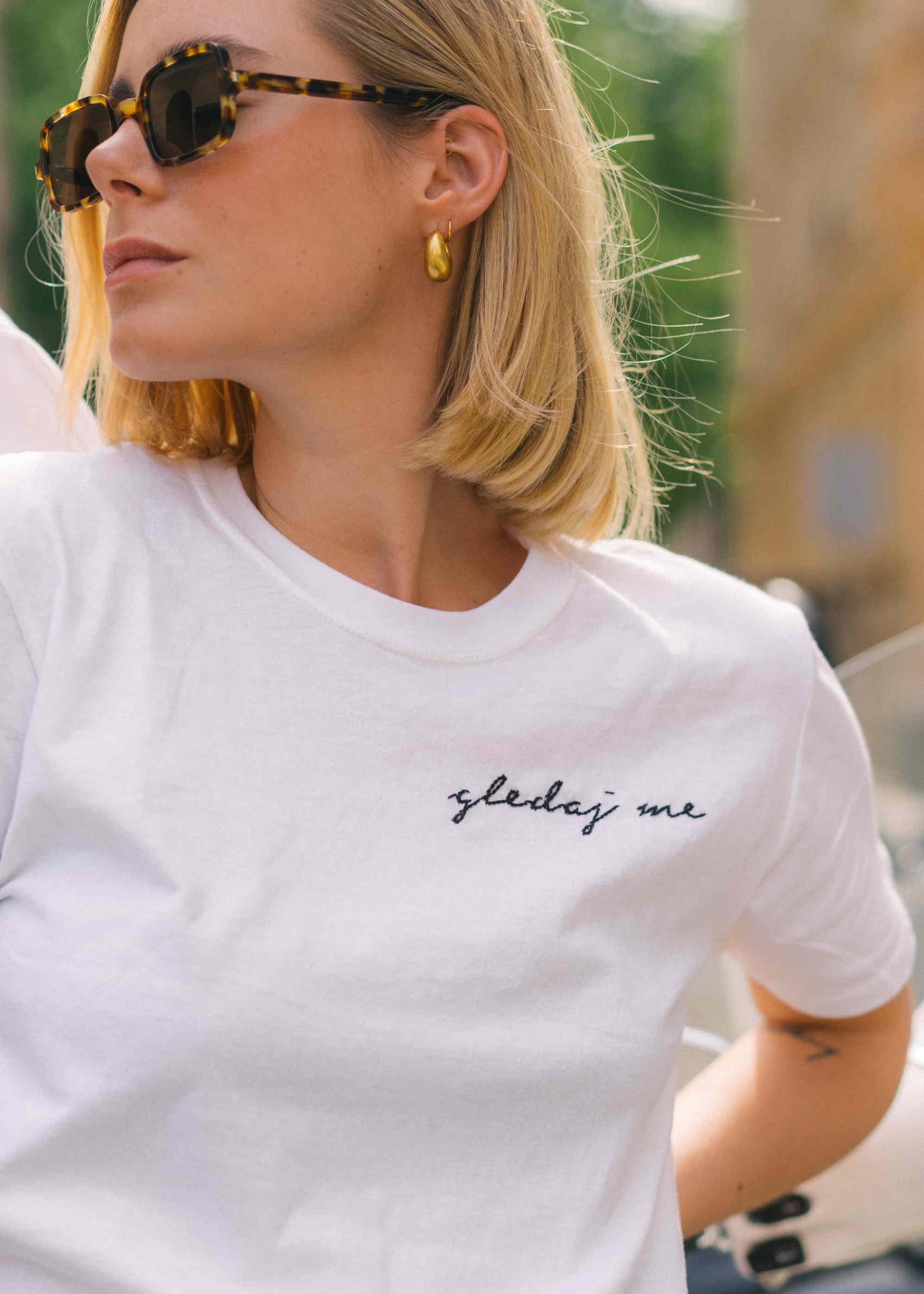 """FCKBL brend predstavlja """"Gledaj me"""" t-shirt inspiriran pjesmom!"""