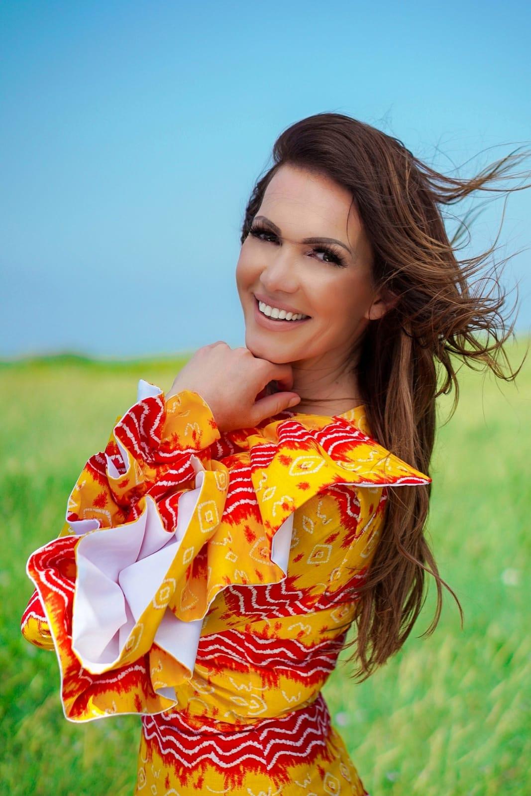"""Pjevačica Tara poručuje novim singlom - """"Više me to ne zanima"""""""