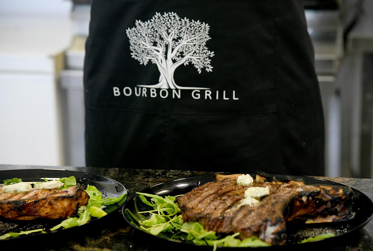 Bourbon grill u Njivicama - pravo mjesto za dry age steakove!