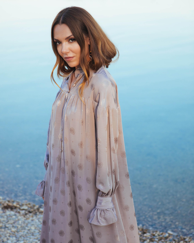 H&M surađuje s dizajnericom Sandrom Mansour na kolekciji ženske odjeće posvećenoj ljubavi prema prirodi