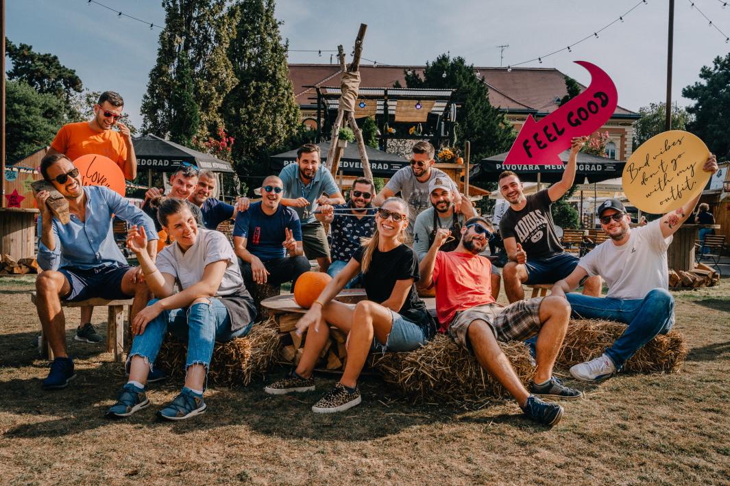 YES Feel Good Festival zavibrirao yesenskim tonovima na Strossmayerovom trgu