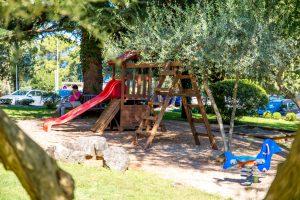 Hotel-Malin-child-playground-1