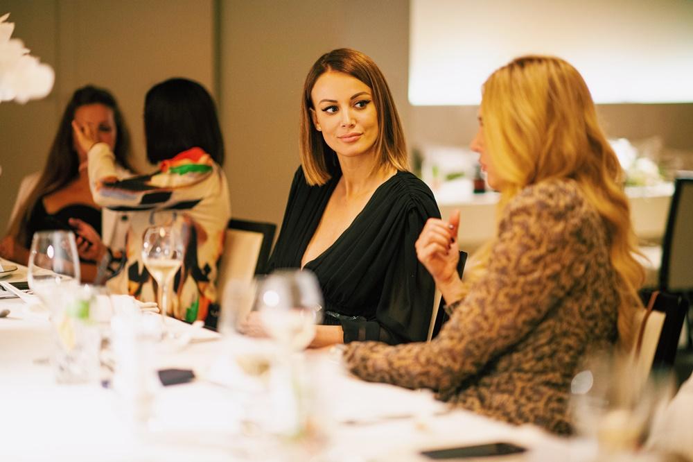 Dizajnerica Aleksandra Dojčinović kraj mentorstva u projektu proslavila u društvu uglednih žena!