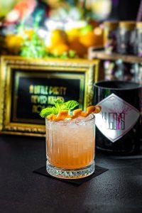Hugo's Bar 24