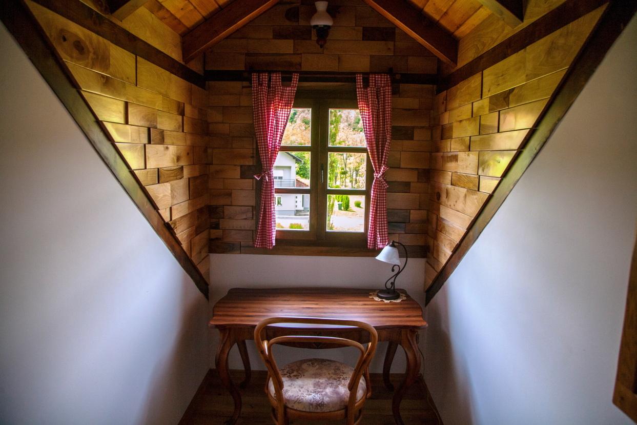 Od napuštene kuće do rustikalne vile; Vila Trnoružica