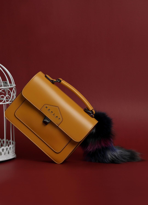 Esencijalni komadi za savršen romantični jesenski look iz nove Replay kolekcije!