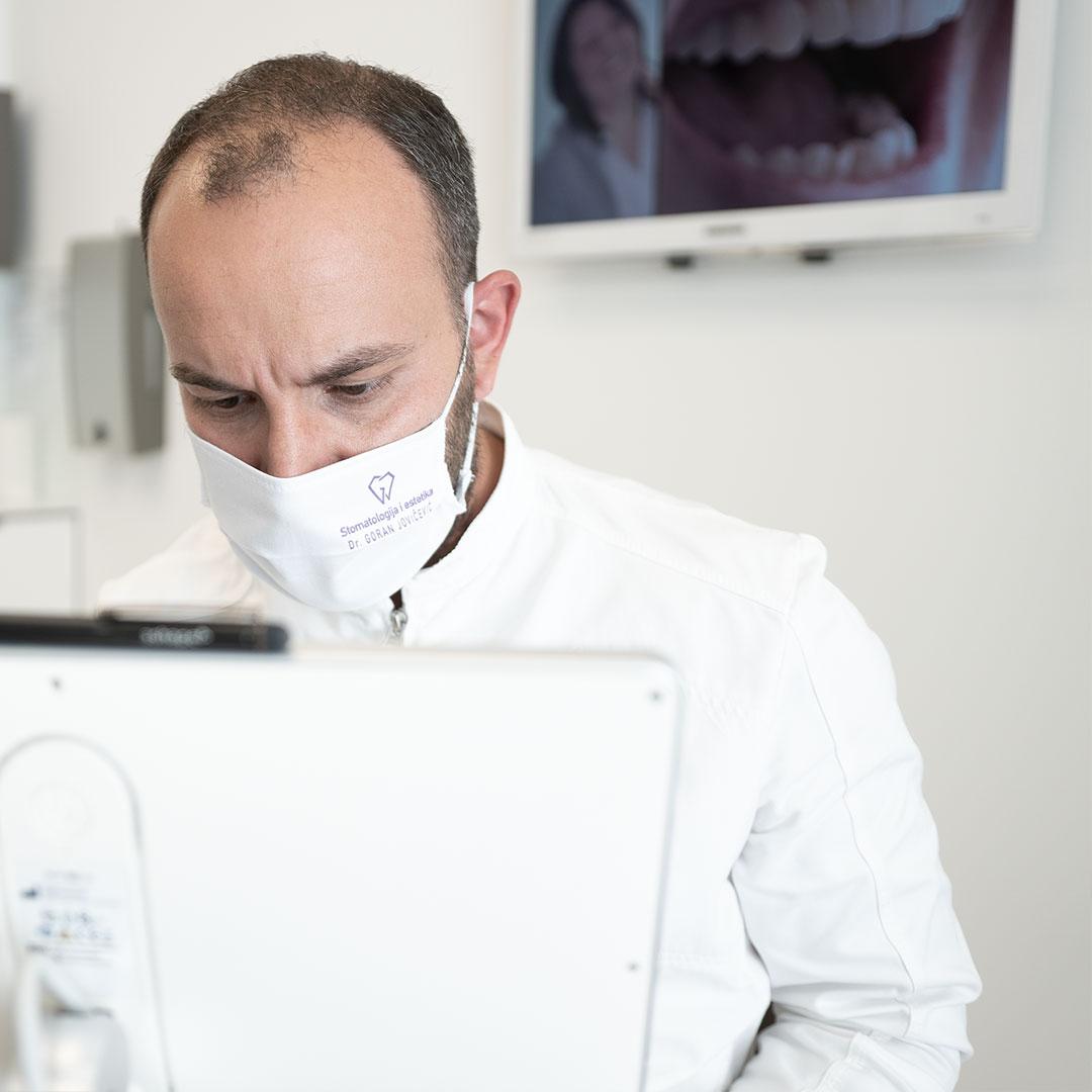NEVJEROJATNO ALI ISTINITO: Doktor otkriva koliko ljudi ima ovaj problem! Ipak, možete ga riješiti za svega nekoliko minuta!