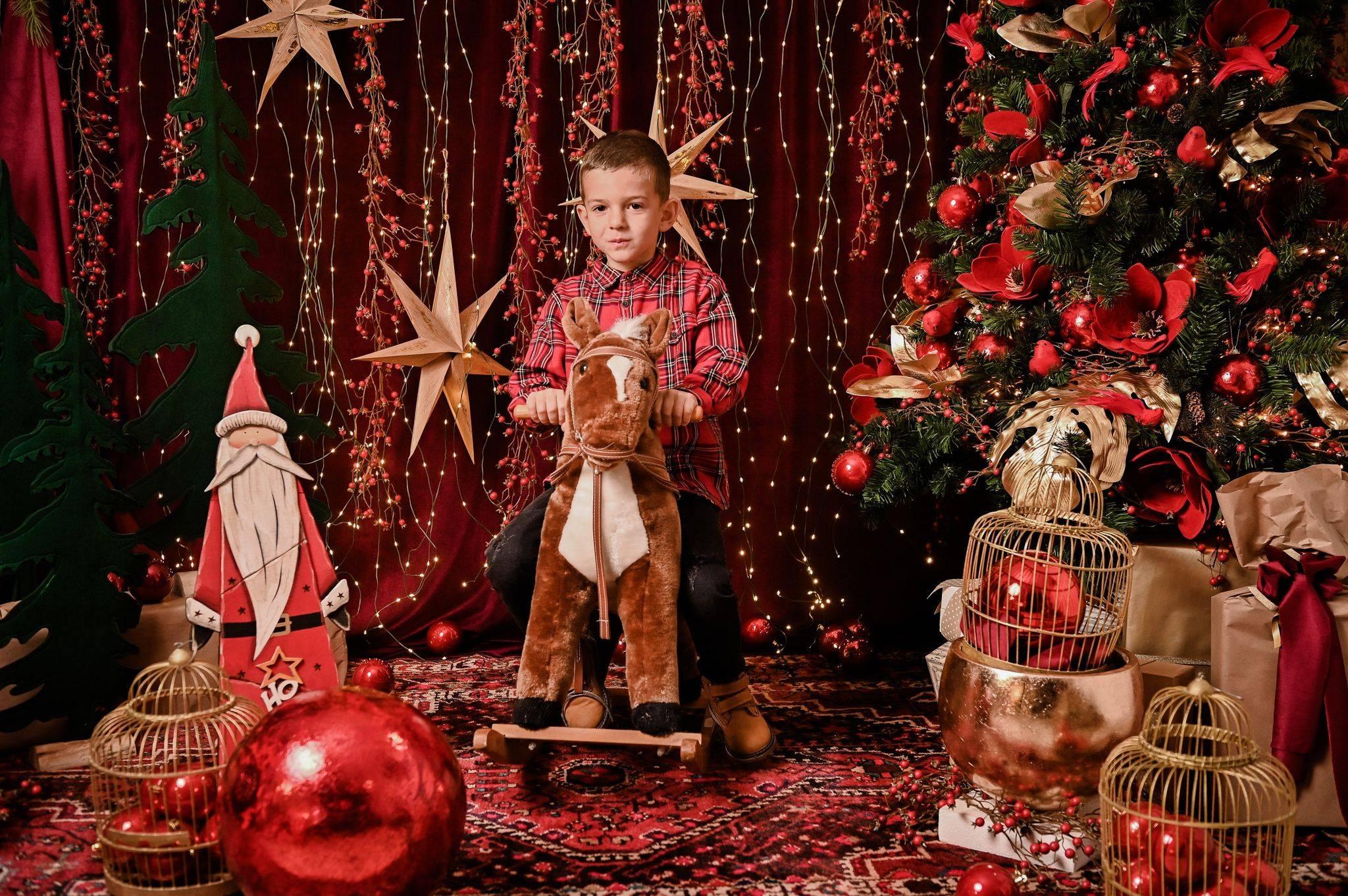 Extravagant experience: božićno fotografiranje u La Vie Photo Atelieru
