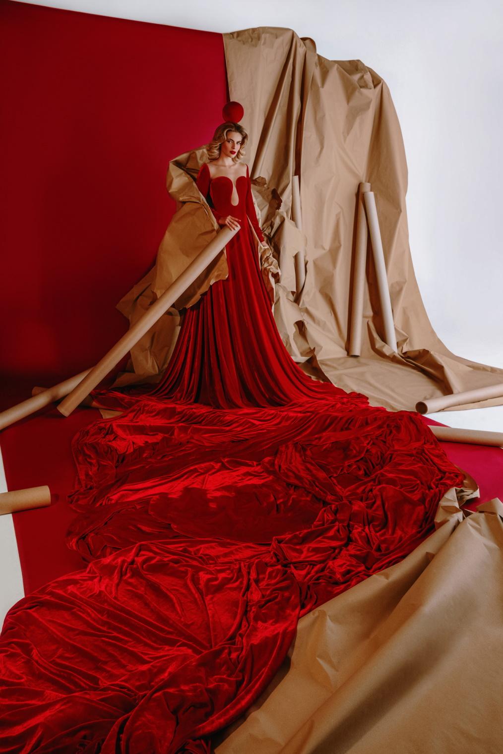 Taj ljupki svijet Boudoir djevojaka: RED DELIGHTS by BOUDOIR