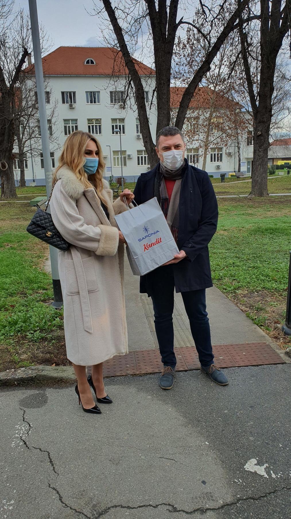 Saponia i Kandit uljepšali blagdane djelatnicima KBC Osijek