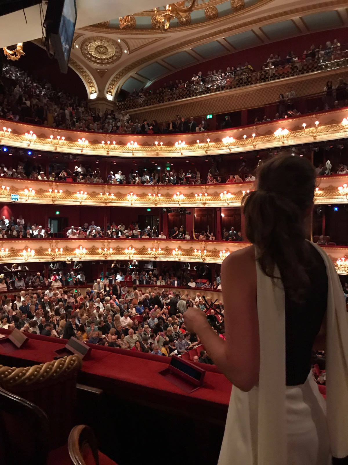 Upoznajte Karolinu Šober: kći poznatih riječkih opernih pjevača, koja radi za NATO!