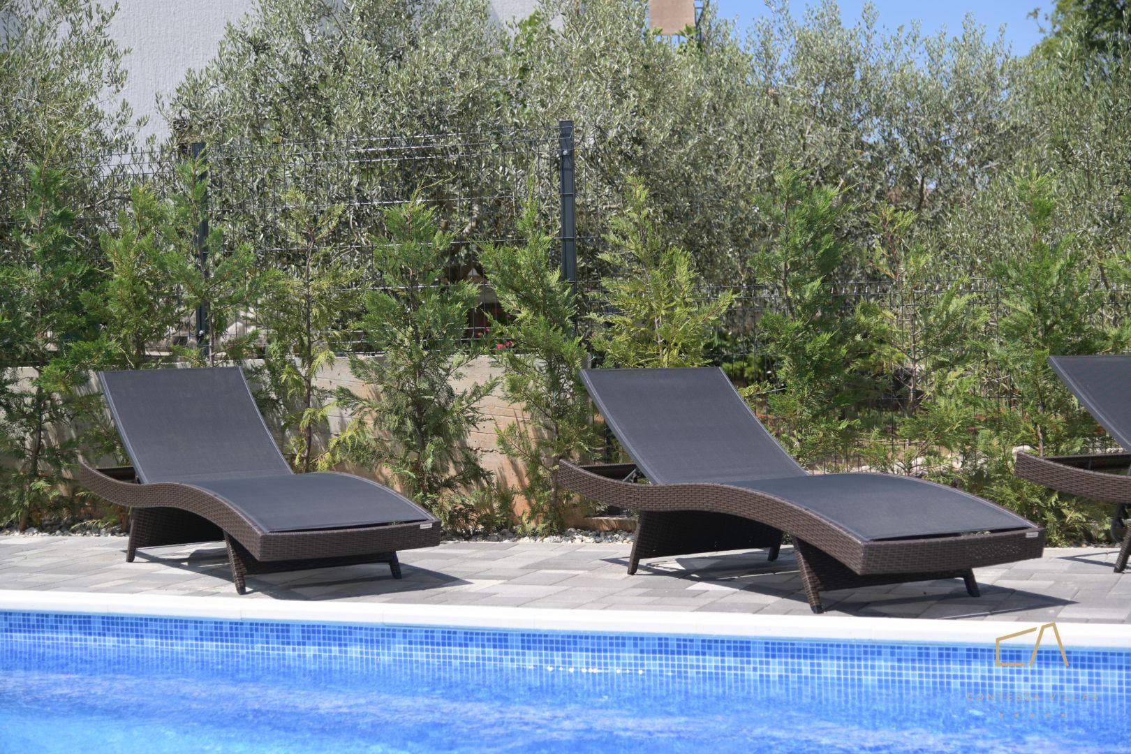 Otmjena Villa Metra Maris2 s pogledom na more i bazenom na Krku