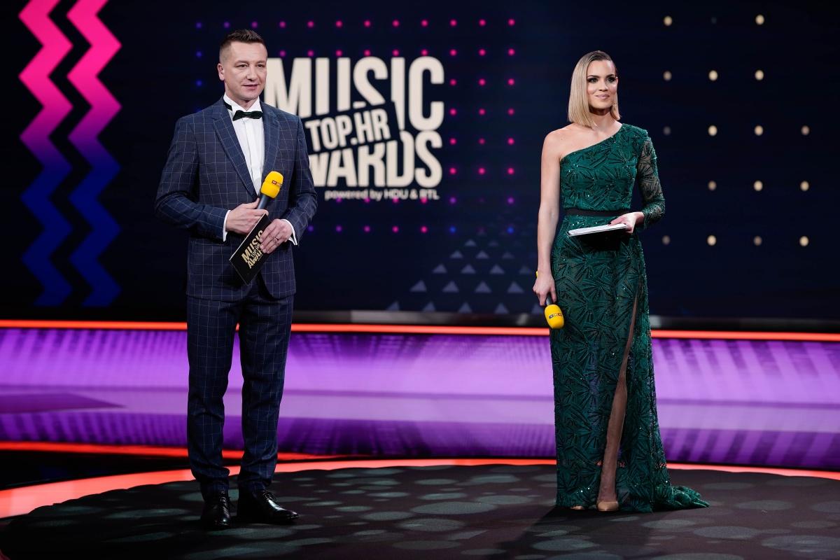 Jedna od najpopularnijih svjetskih glazbenica - Dua Lipa putem video veze se uključila na dodjelu nagrada TOP.HR Music Awards