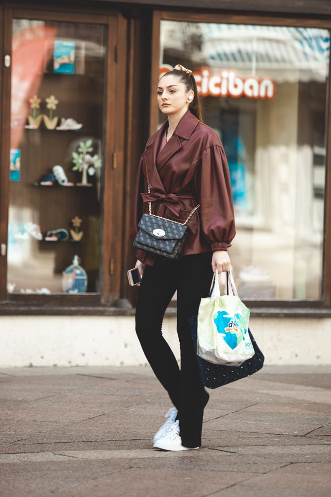 Extravagant streetstyle: zaljubili smo se u ovu jaknu!