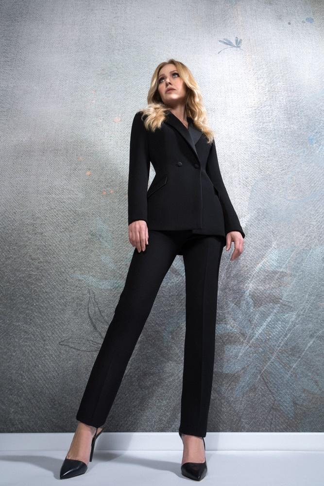 Odijelo je nova haljina, a Barbara Kolar zna kako nositi ona najtraženija