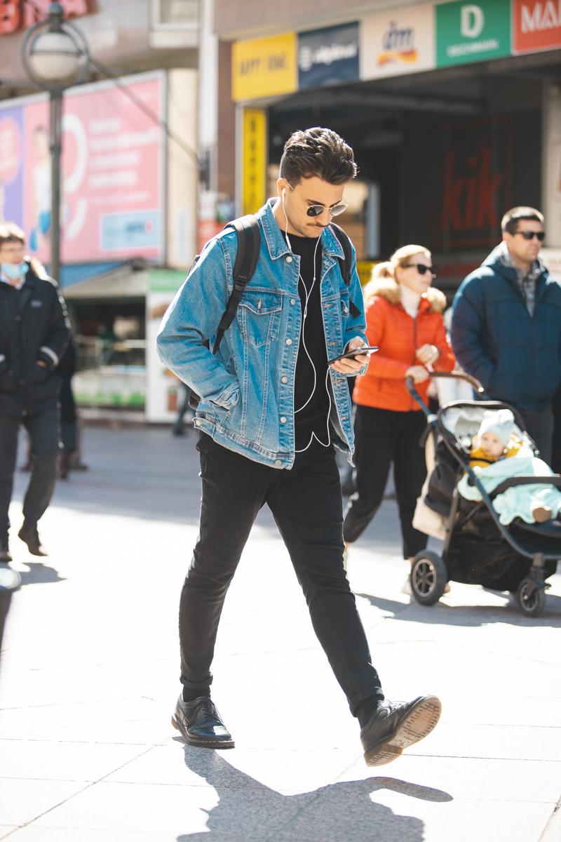 Extravagant streetstyle: traper nikad ne izlazi iz mode