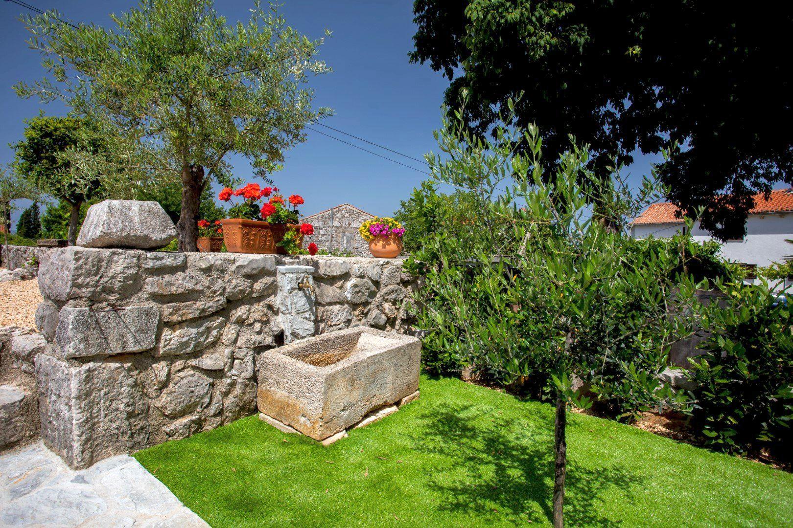 Uživajte u Contessinom spoju luksuza i povijesti u okruženju heritage vila