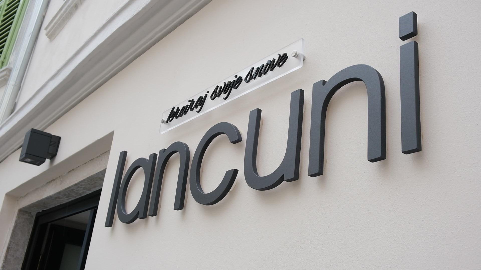 Extravagant shopping: Lancuni