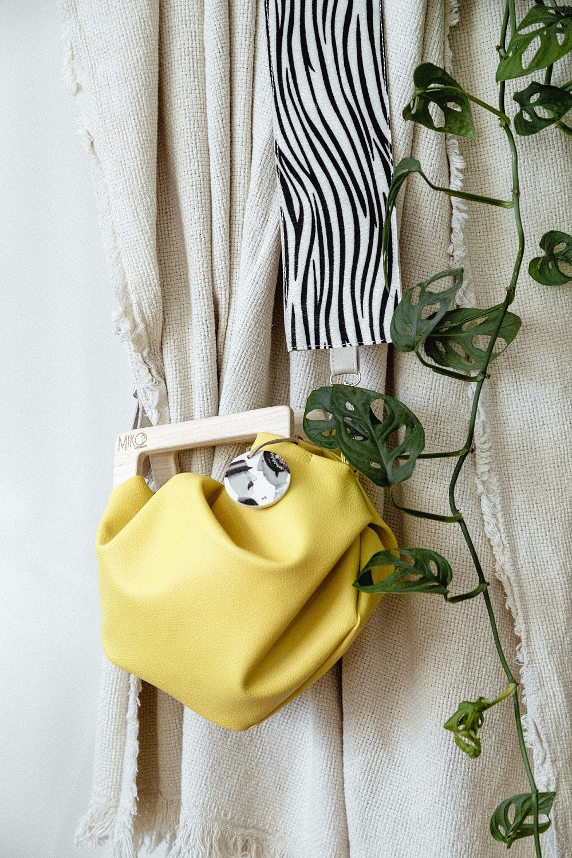 Jarke boje i odvažni uzorci krase nove MIKO torbe za toplije dane!