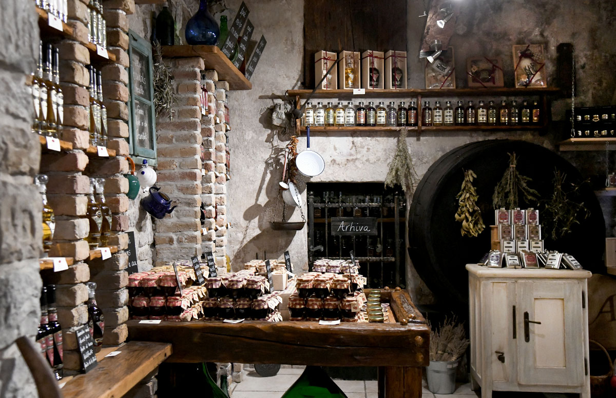 Bile smo u Destileriji Aura, gdje smo se okušale u proizvodnji džina