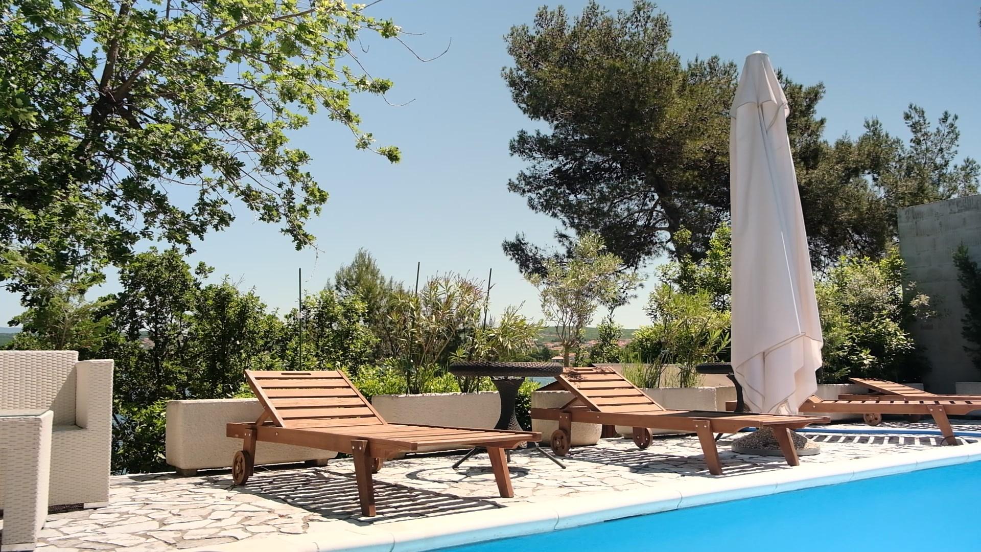 Extravagant info: Villa Ana