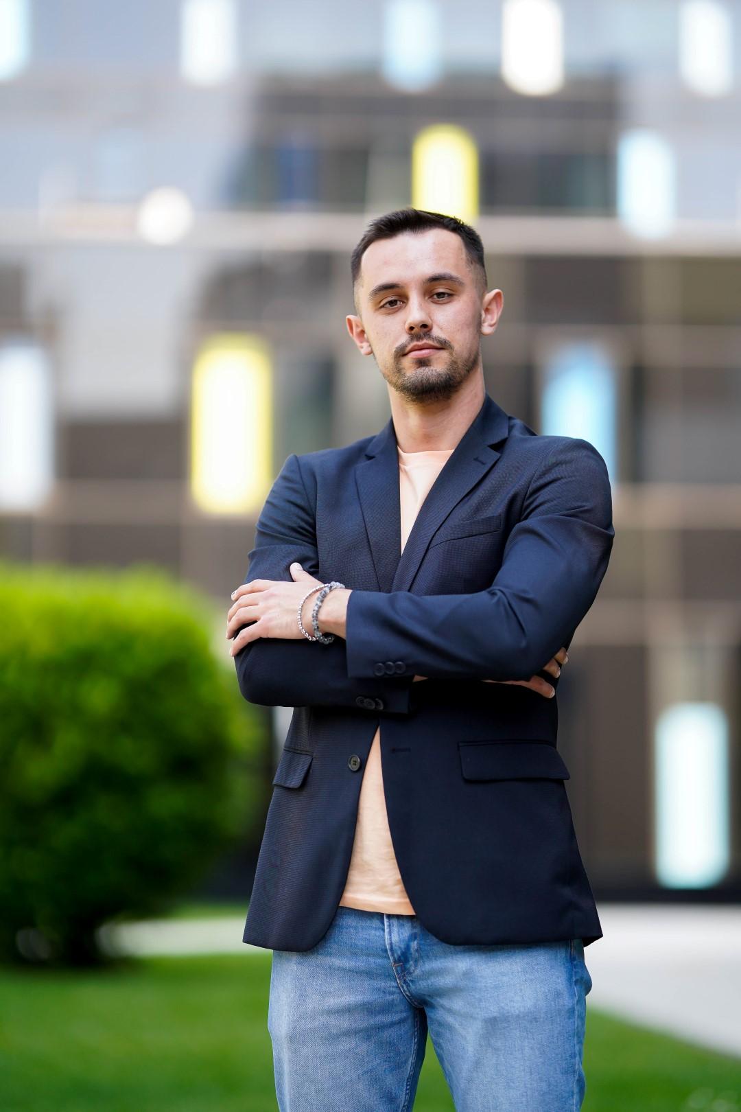Upoznajte mladog hrvatskog poduzetnika koji mijenja svijet globalnih društvenih mreža: Tomi Antoljak