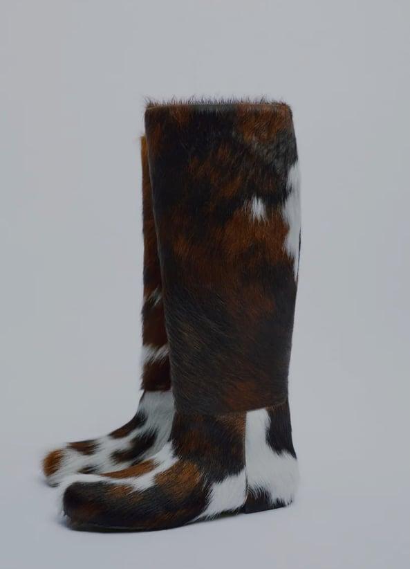 Nova limitirana kolekcija obuće stigla u Zaru, među kojima i ove posebne čizme