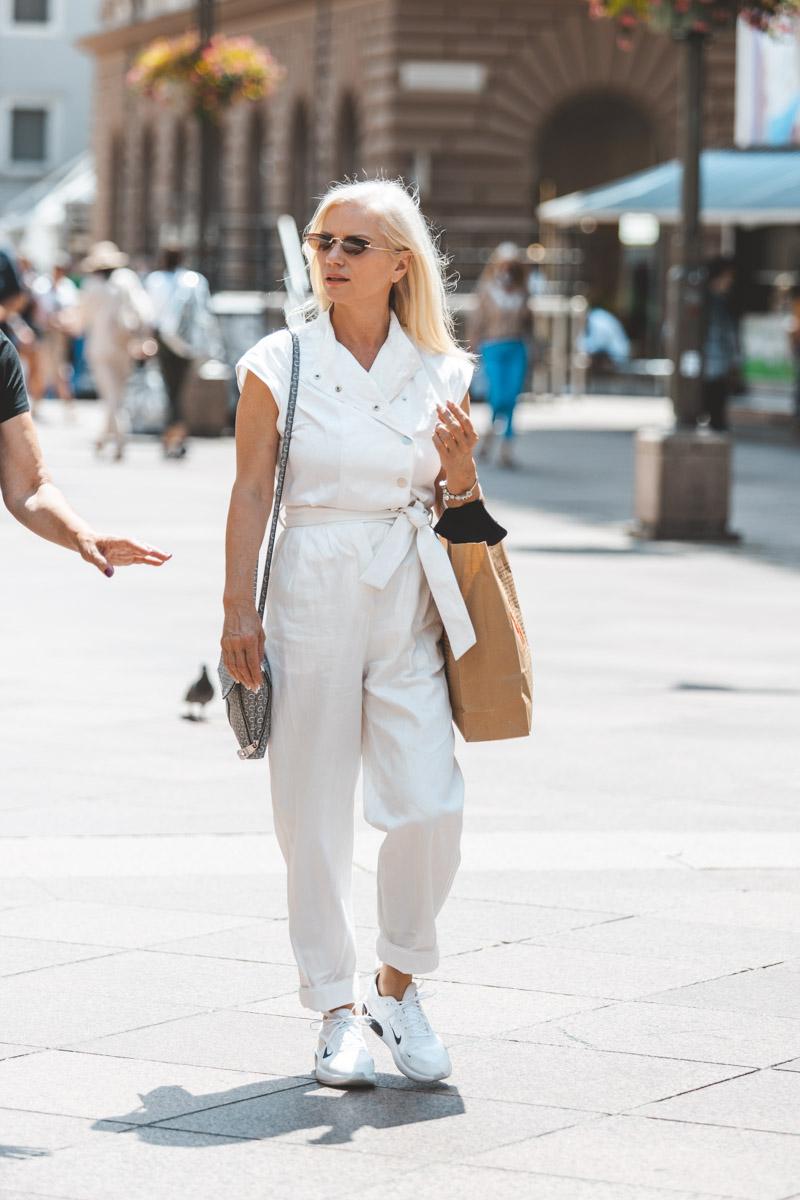 Extravagant streetstyle: ljeto voli bijelu boju, a to zna i naša dama s Korza