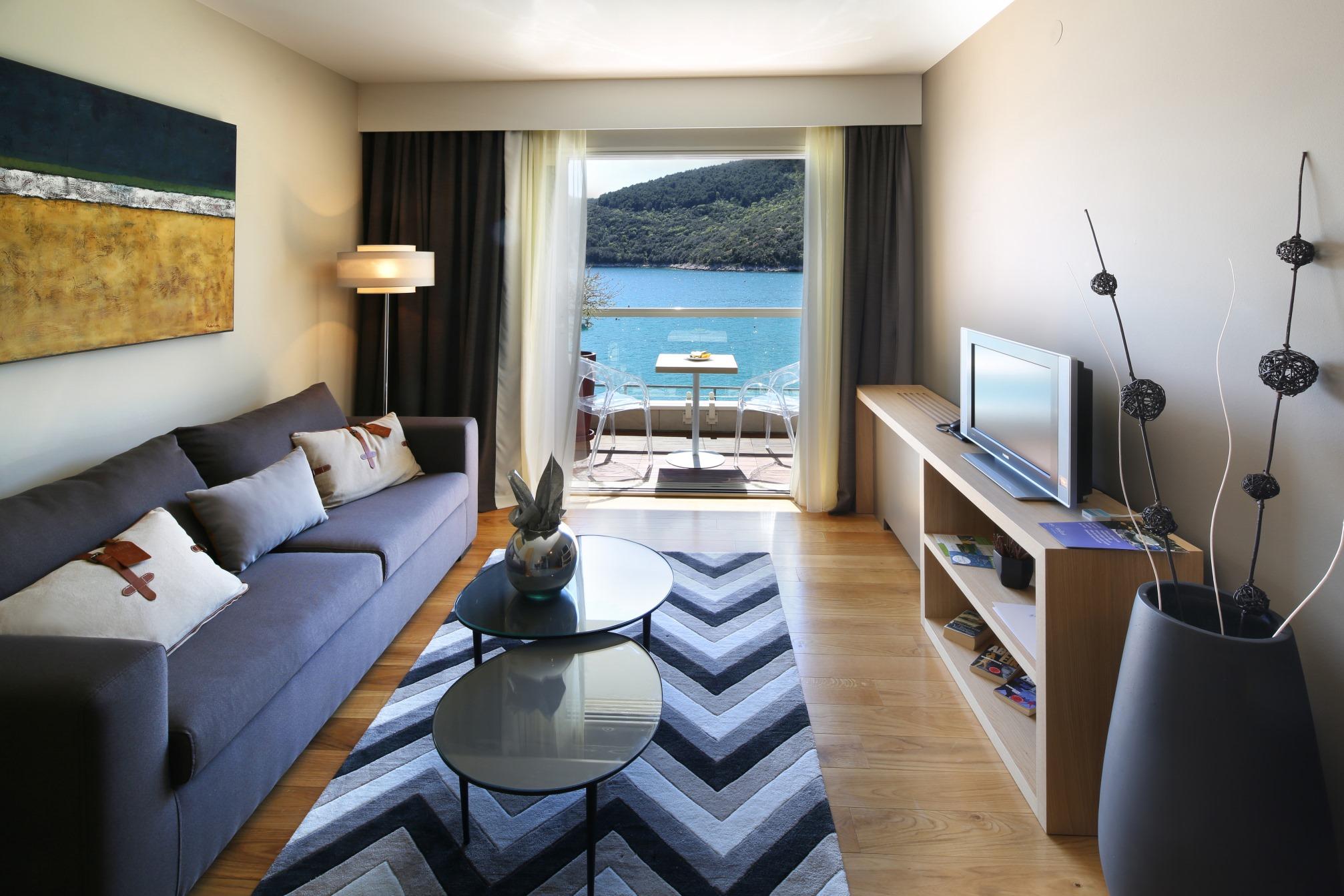 Prvoklasna usluga s otmjenim sobama čeka vas u Hotelu i Villi Adoral u Rapcu