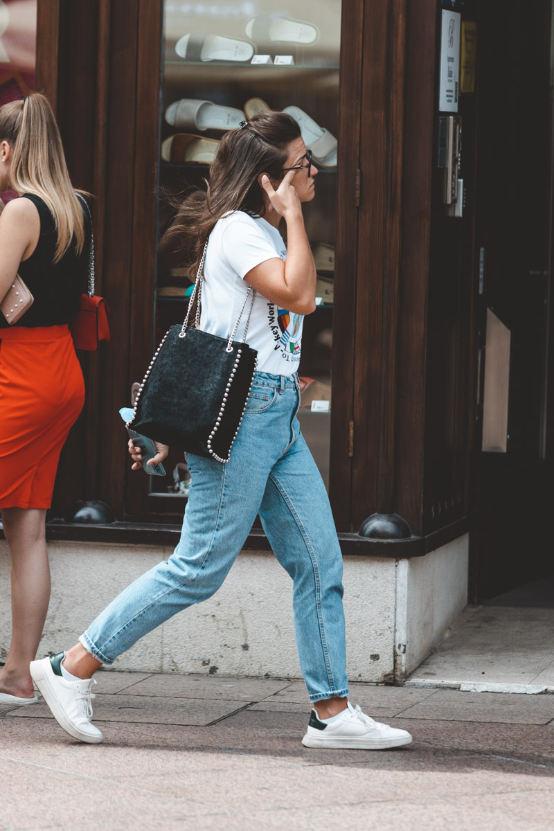 Extravagant streetstyle: kakve torbice preferirate ljeti?
