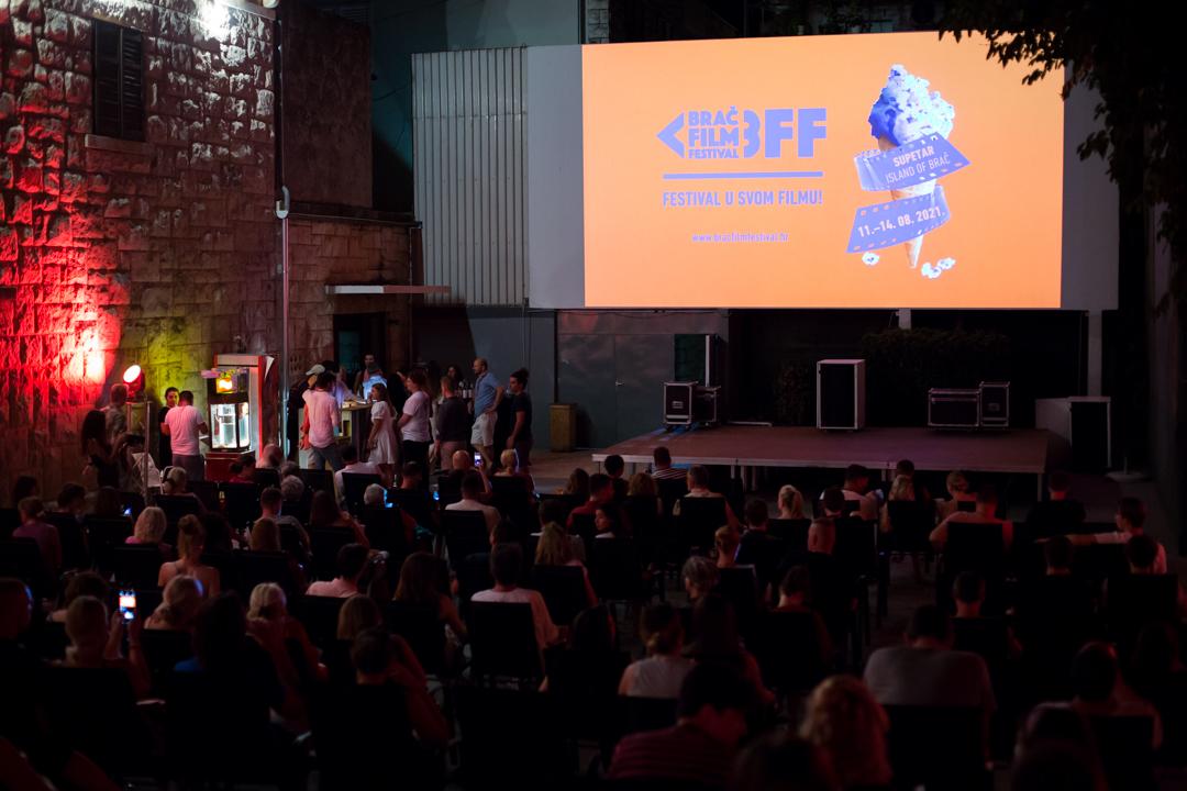 4 dana za filmove i kulturu – premijerom krimića Lihvar završio još jedan Brač Film Festival