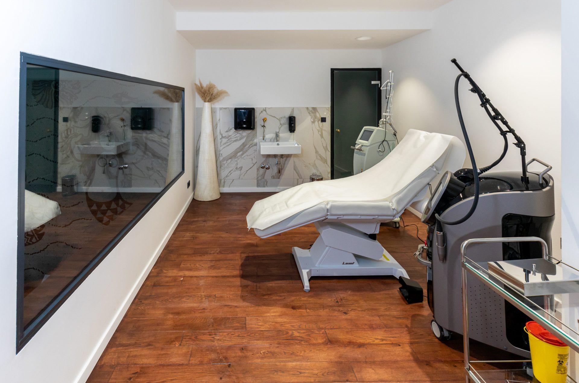 Extravagant health: Poliklinika Poliderma
