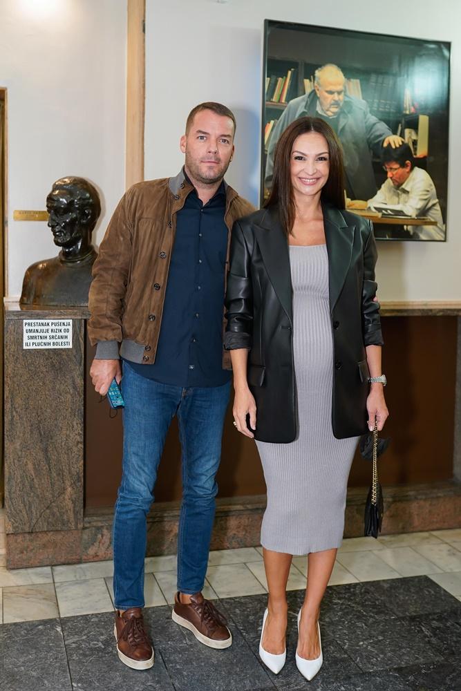 """Ovacije publike na zagrebačkoj premijeri predstave """"Jel' tako, Zorane?"""""""