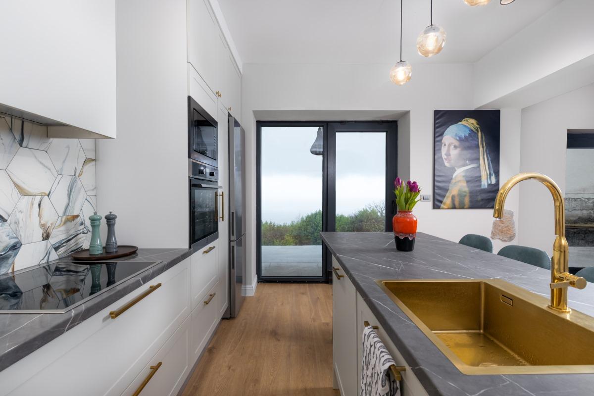 Studio Stanca: svakoj kuhinji treba doza luksuza