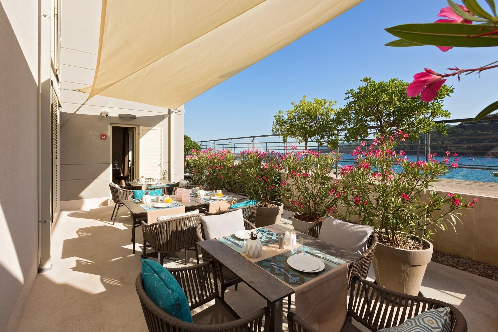 Boutique Hotel Adoral svojim elegantno uređenim ambijentom ostavlja bez daha